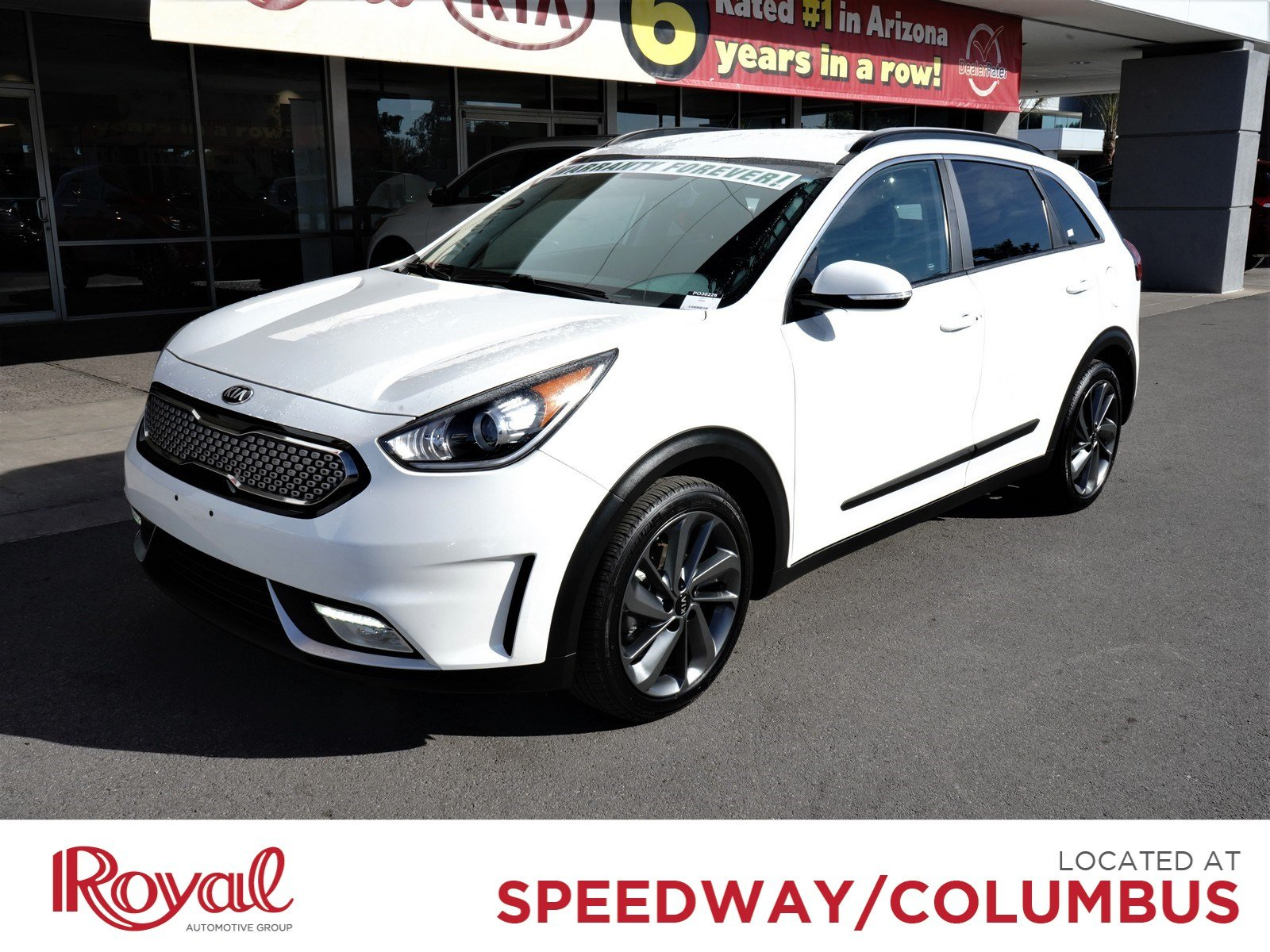 Pre-Owned 2017 Kia Niro Touring Launch Edition
